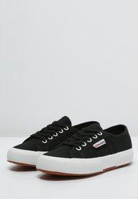Superga - 2750 COTU CLASSIC UNISEX - Sneakersy niskie - black/White - 2