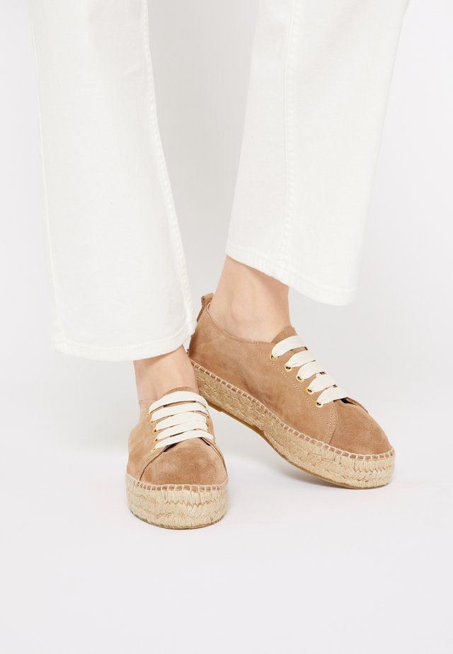 Casual lace-ups - taupe