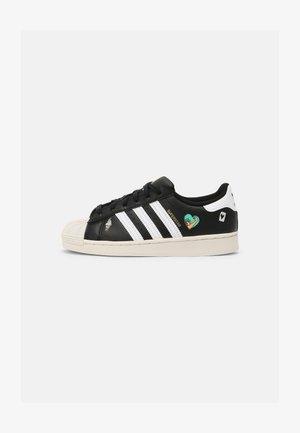SUPERSTAR UNISEX - Sneakers laag - core black/white/chalk