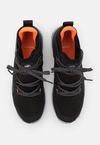 Mammut - SAENTIS PRO WP - Obuwie hikingowe - black/vibrant orange - 3