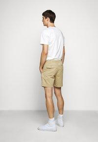 Polo Ralph Lauren - CFPREPSTERS FLAT - Shorts - luxury tan - 2