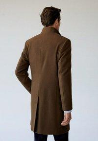 Mango - FUNNEL - Short coat - mittelbraun - 2