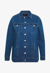 Vero Moda Curve - VMEBBE LONG JACKET - Giacca di jeans - medium blue denim - 4