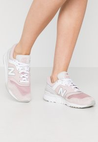 New Balance - CW997 - Trainers - pink - 0