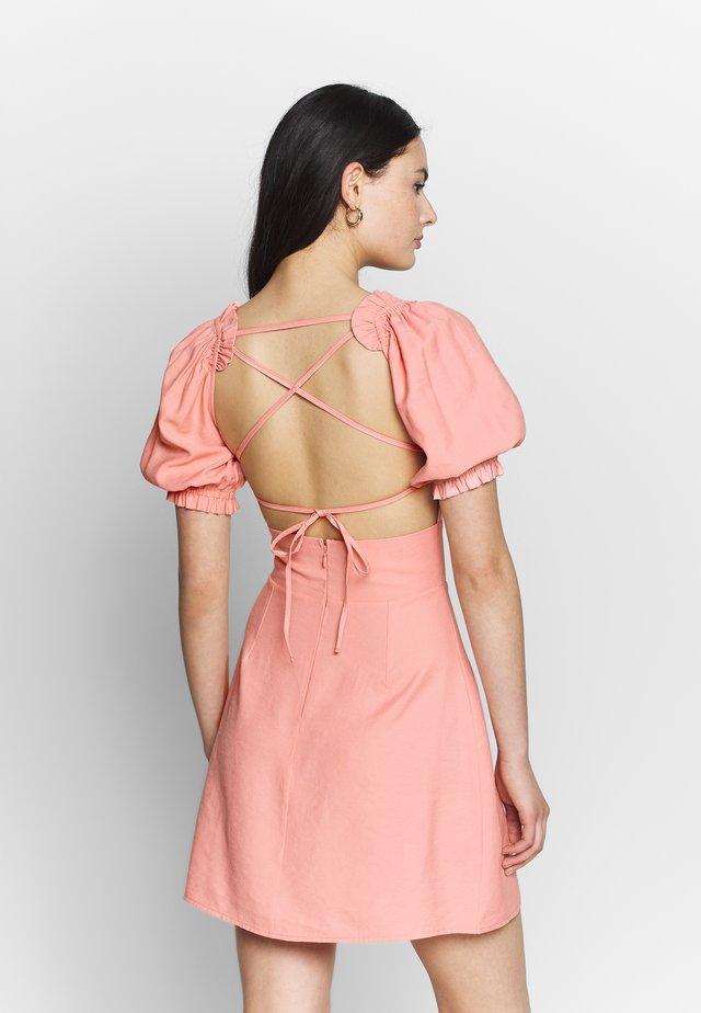 CUT OUT PUFF SLEEVE DRESS - Korte jurk - pink