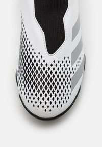 adidas Performance - PREDATOR 20.3 FOOTBALL BOOTS TURF UNISEX - Astro turf trainers - footwear white/silver metallic/core black - 5