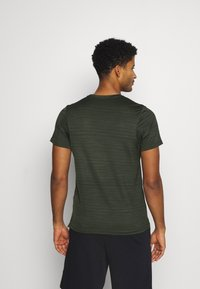 Nike Performance - DRY SUPERSET - T-shirt - bas - sequoia/black - 2