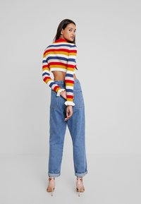Missguided - STRIPED CROP JUMBER WITH FRILL CUFFS - Jumper - red