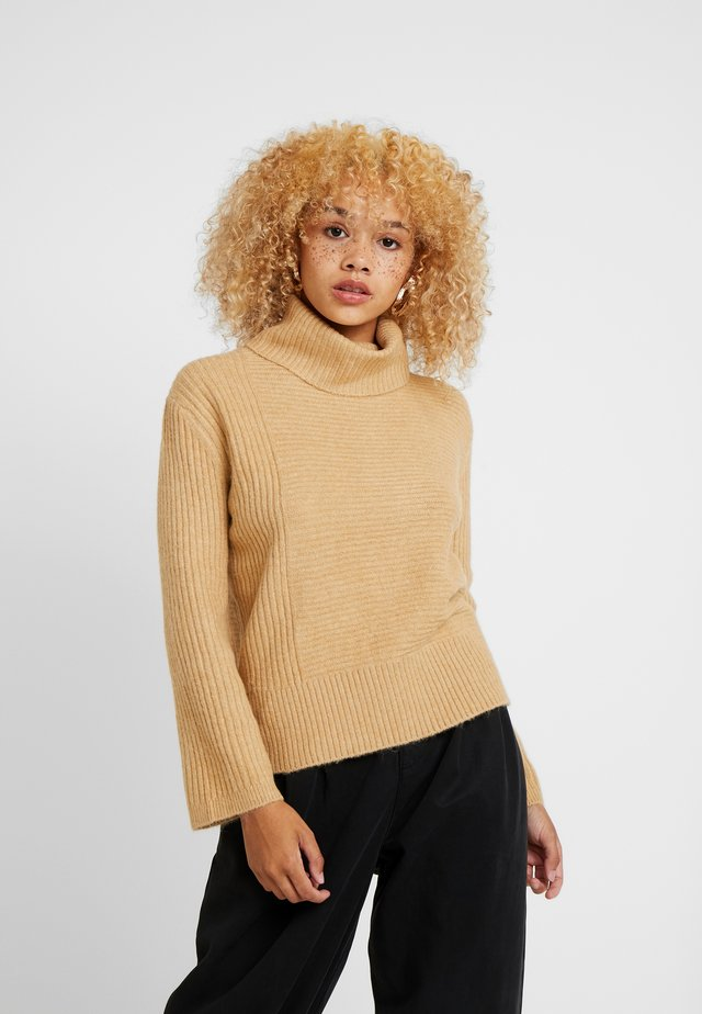 FUNNEL NECK JUMPER - Pullover - tan