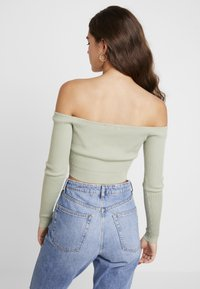 Missguided - NECK CROPPED JUMPER - Strickpullover - olive - 2