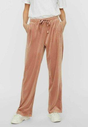 VMATHENA PANT - Pantaloni sportivi - mocha mousse