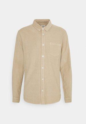 SLADE - Shirt - sandshell