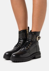 Copenhagen Shoes - TIME OF MY LIFE - Lace-up ankle boots - black - 0