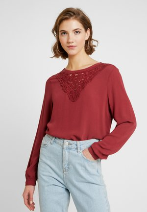 ONLBETTY  - Blouse - red pear