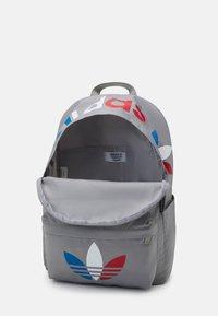 adidas Originals - TRICOLOR UNISEX - Rucksack - solid grey - 2