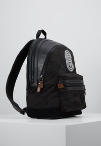 Coach - ACADEMY BACKPACK WITH PATCH - Reppu - black wild beast - 3