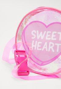 Sunnylife - BUM BAG - Käsilaukku - pink - 5