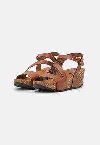 Grand Step Shoes - JILL - Platform sandals - whisky - 2
