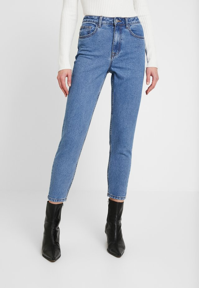 OBJVINNIE MOM - Relaxed fit jeans - medium blue denim