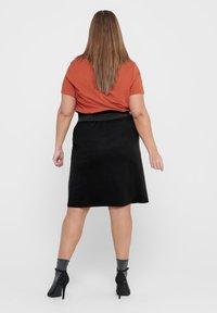 ONLY Carmakoma - CURVY  - A-line skirt - black - 2