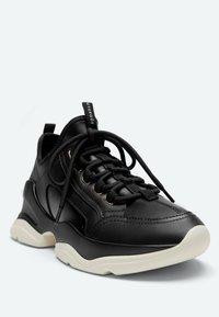 Uterqüe - Sneakers laag - black - 4