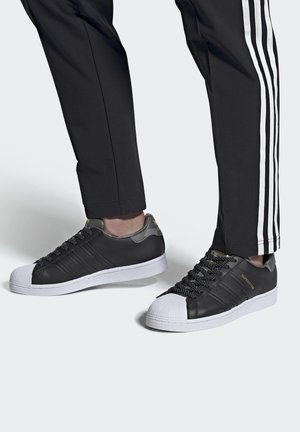 SUPERSTAR - Sneakers - black