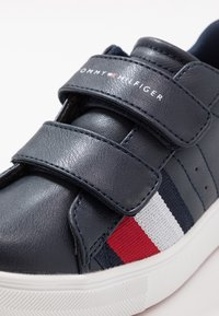 Tommy Hilfiger - Sneakers laag - blue/white - 2