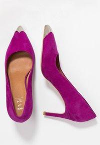 Shoe The Bear - CORA METAL TOE - Classic heels - purple - 3
