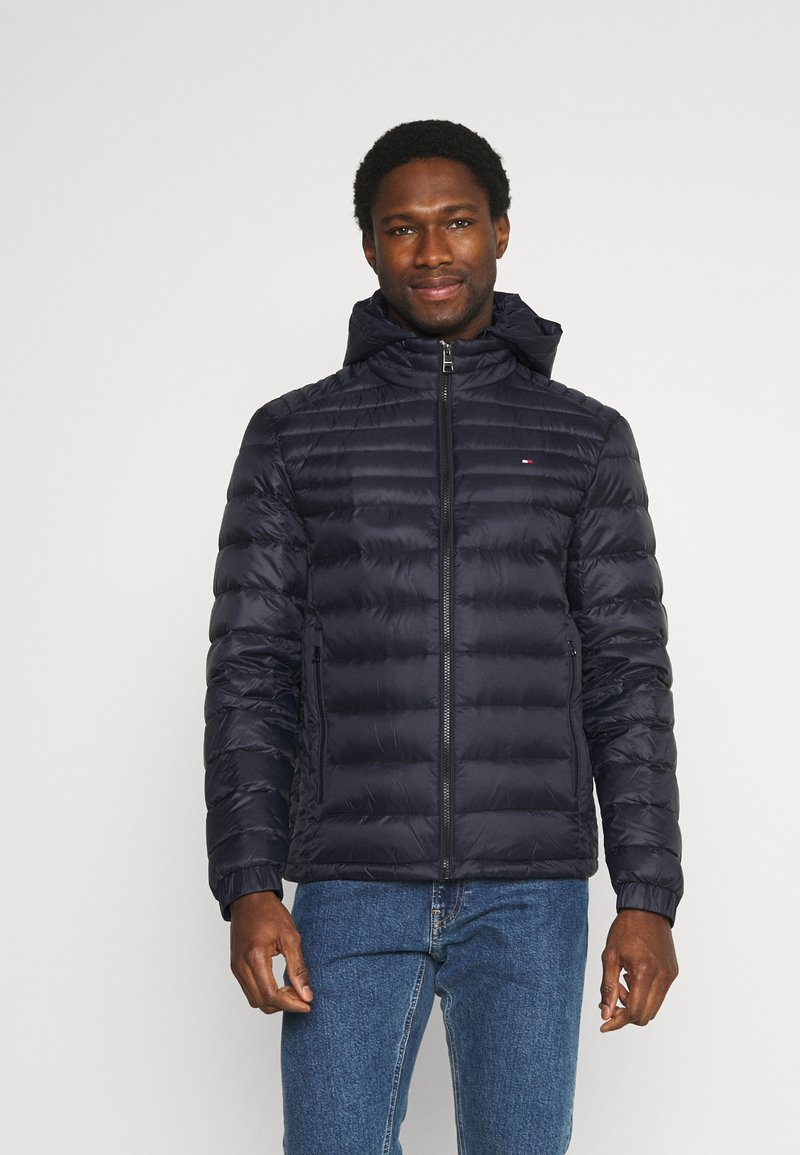 Tommy Hilfiger - PACKABLE HOODED JACKET - Down jacket - desert sky