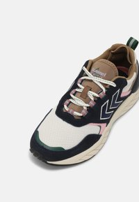 Hummel - MARATHONA REACH LX UNISEX - Sneakers - navy/woodrose - 6
