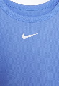 Nike Performance - DRY UNISEX - T-shirt basic - royal pulse/white