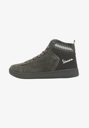 High-top trainers - grigio cenere