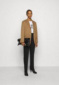 MM6 Maison Margiela - Short coat - camel - 1