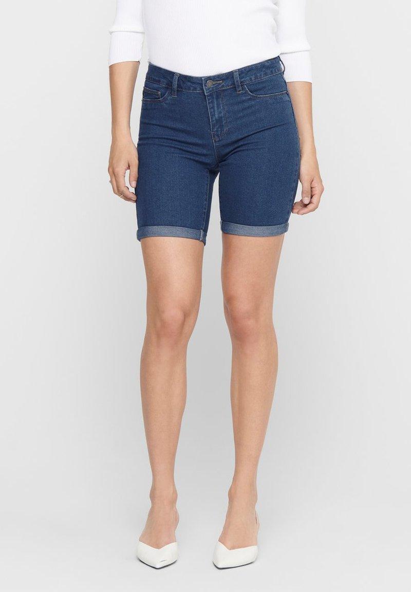 ONLY - ONLSUN ANNE - Denim shorts - medium blue denim