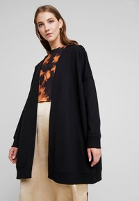 Monki - CAMILLA CARDIGAN - Collegetakki - black - 0