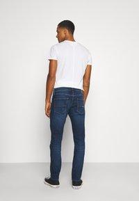 Tommy Jeans - SCANTON SLIM ASDBS - Vaqueros slim fit - aspen dark blue - 2