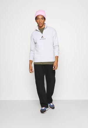 ESSENTIAL SKATE 3 PACK - T-shirt - bas - white/gravel stone/military