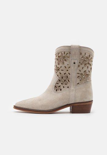 CECILE - Cowboy/biker ankle boot - grey