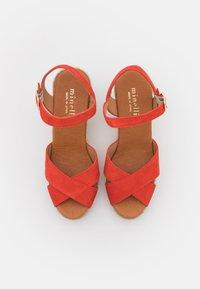 Minelli - Korkeakorkoiset sandaalit - coquelicot - 5