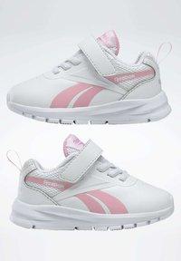 Reebok - REEBOK RUSH RUNNER 3 SHOES - Sneakersy niskie - white - 7