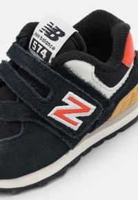 New Balance - IV574ML2 - Trainers - black - 5