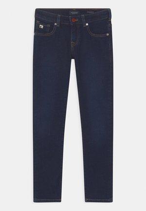 STRUMMER  - Skinny džíny - melting blau