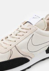 Nike Sportswear - DBREAK-TYPE - Trainers - light orewood brown/black/white - 7