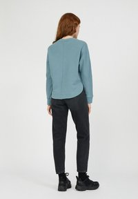 ARMEDANGELS - Sweatshirt - soft moss - 2
