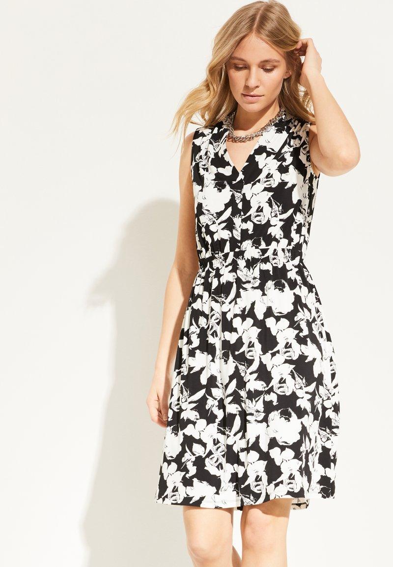 comma - Jersey dress - black floral print