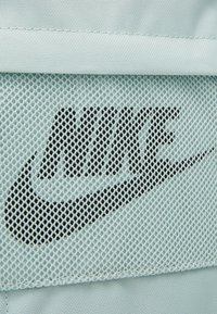 Nike Sportswear - ELEMENTAL  - Sac à dos - pistachio frost/seaweed - 4