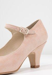 LAB - Classic heels - make-up - 2
