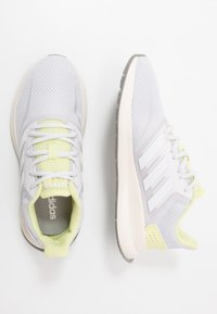 adidas Performance - RUNFALCON - Juoksukenkä/neutraalit - dash grey/footwear white/yellow tint - 1