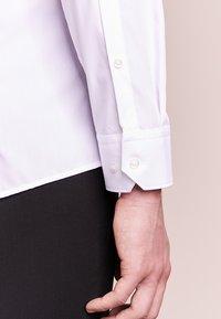HUGO - ELISHA - Business skjorter - white - 4