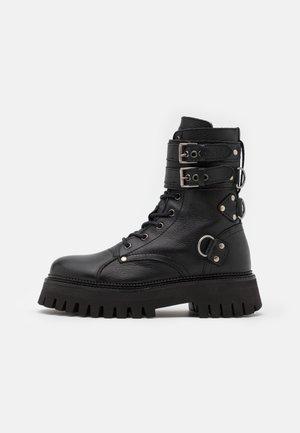 GROOV - Cowboy/biker ankle boot - black